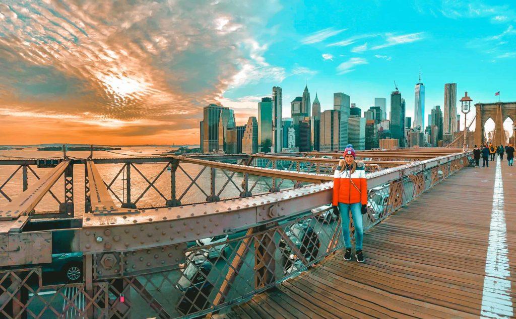 Sicht auf die Skyline von der Brooklyn Bridge aus