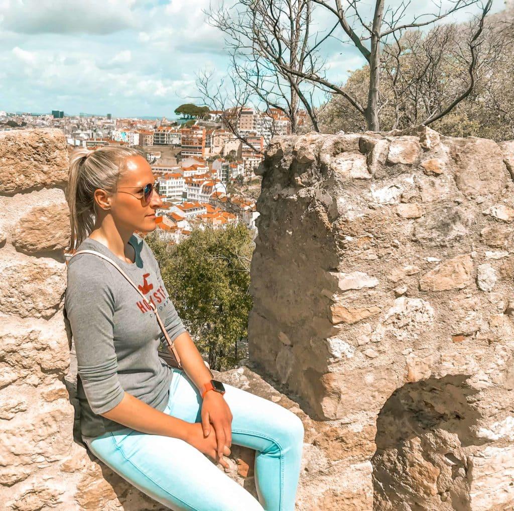 Mauer von der Burg Castelo de Sao Jorge