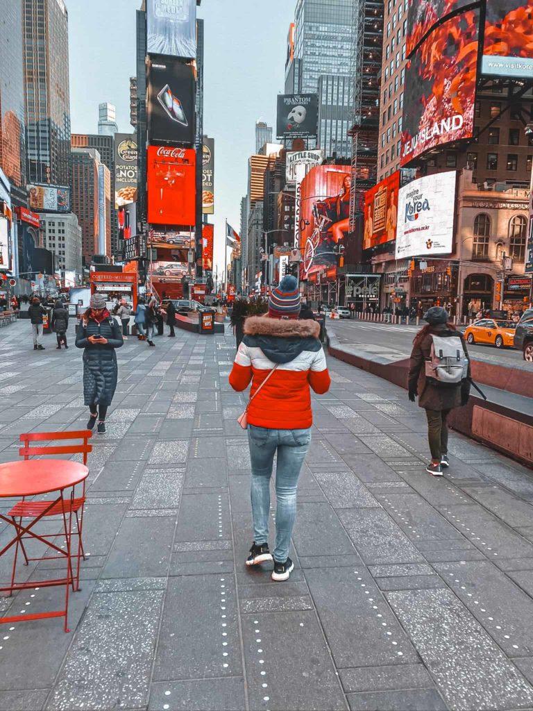 Kim auf dem Times Square