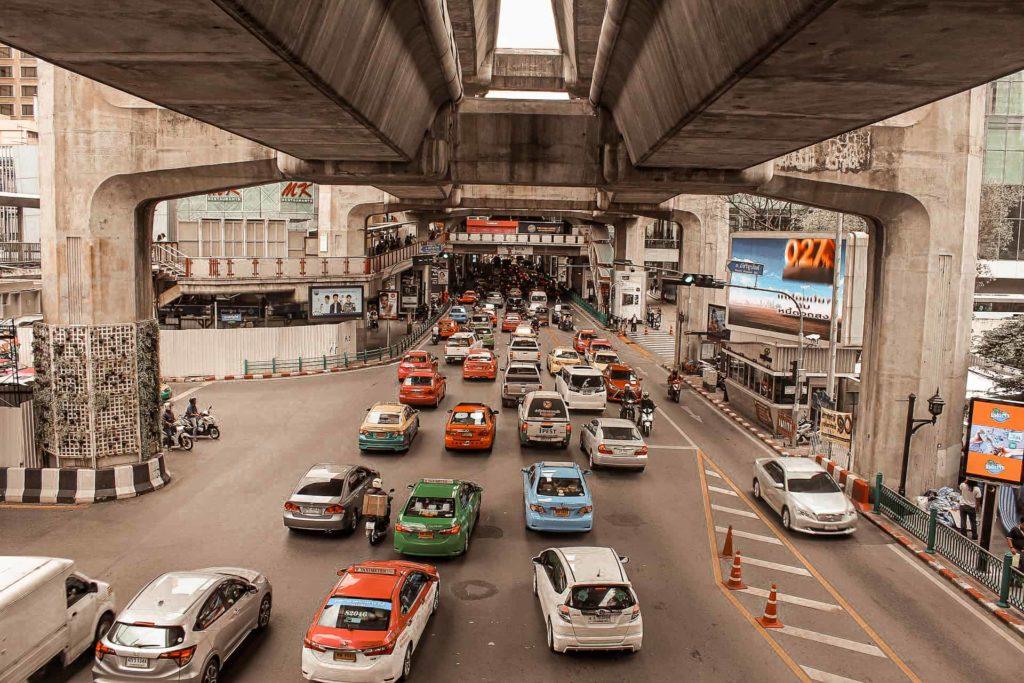 Thailands Hauptstadt bietet viele unterschiedliche öffentliche Verkehrsmittel