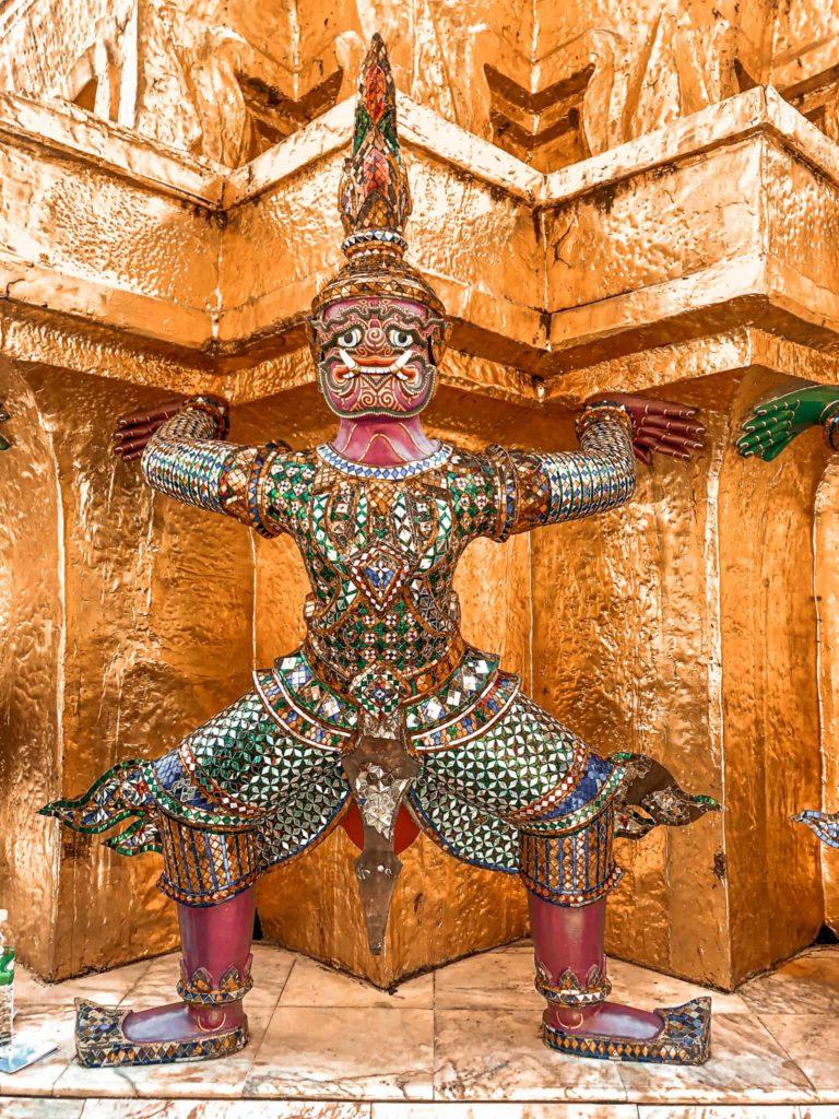 Der Emerald Buddha Tempel von innen