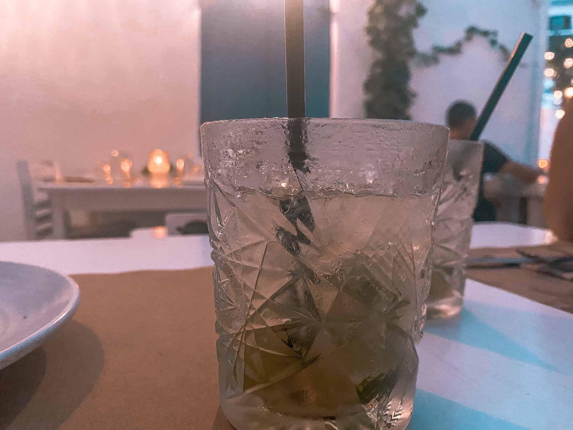 Cocktail trinken auf Mykonos