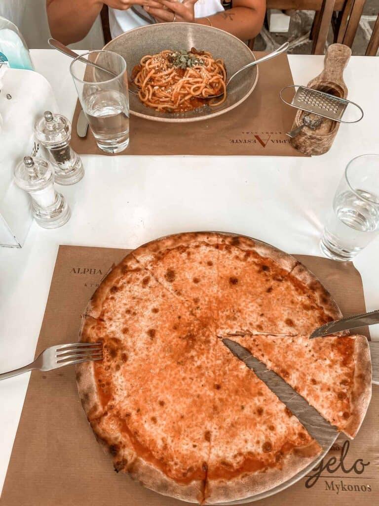 Pizza und Pasta in Mykonos