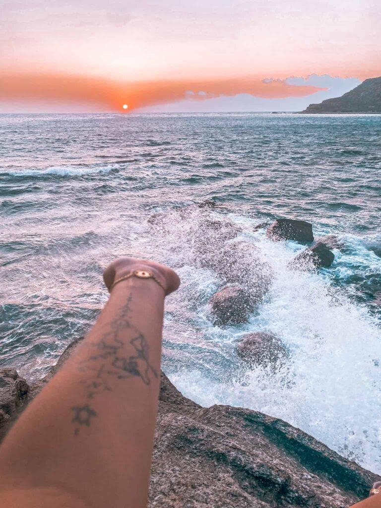 Sonnenuntergang mit Tattoo
