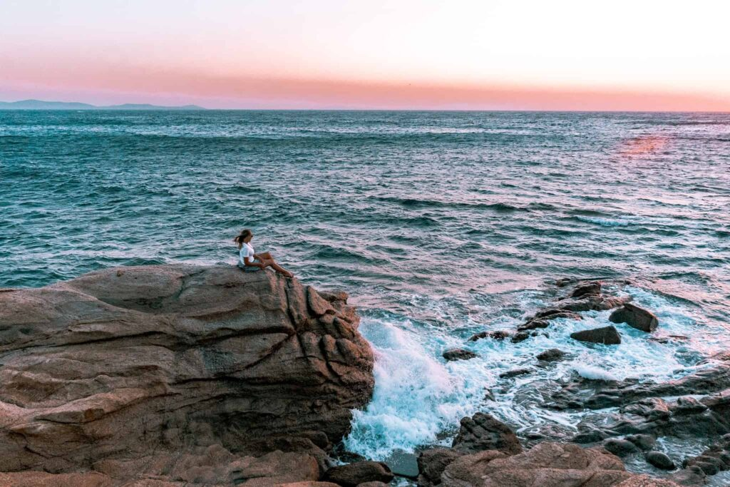 Windiger Ausblick zum Sonnenuntergang - Westküste Mykonos_1