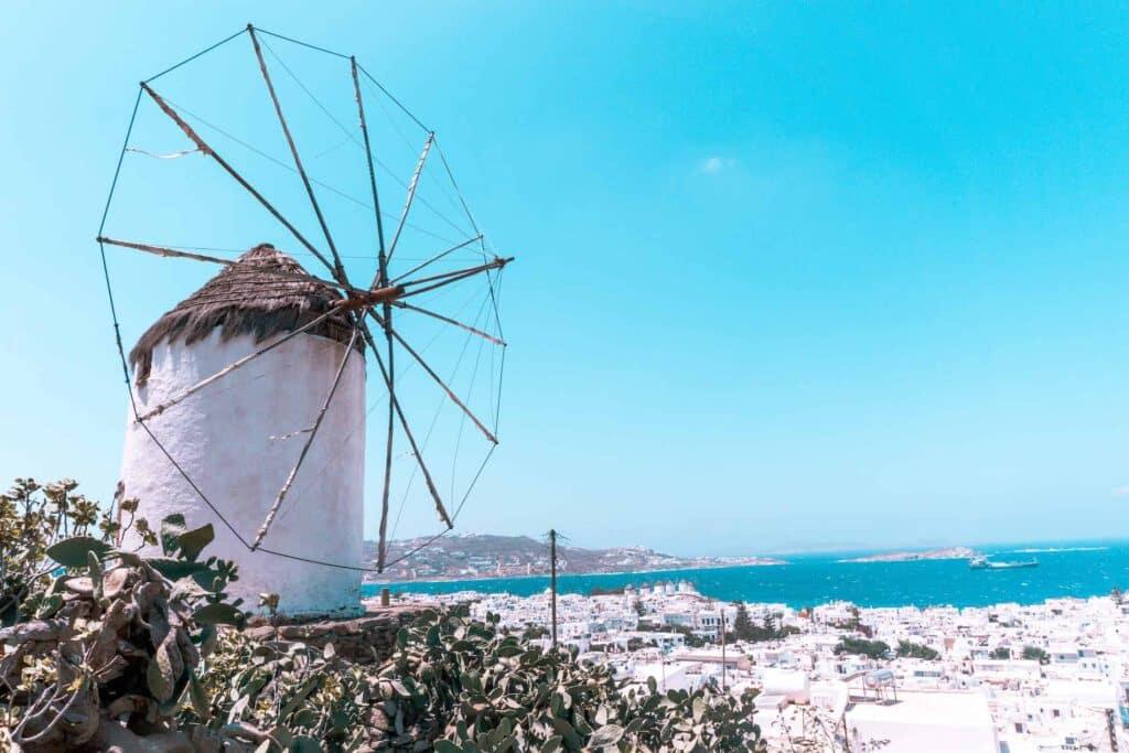 Boni's Windmühle in Mykonos zieht viele Influencer an, die auf der Suche nach dem perfekten Insta Shot sind